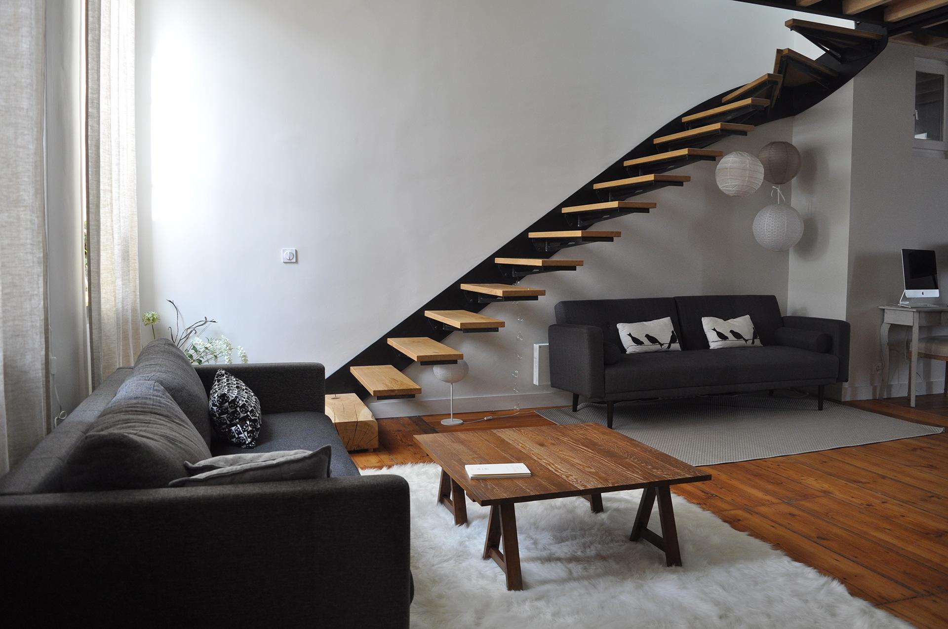 une mezzanine suspendue eponyme architecture